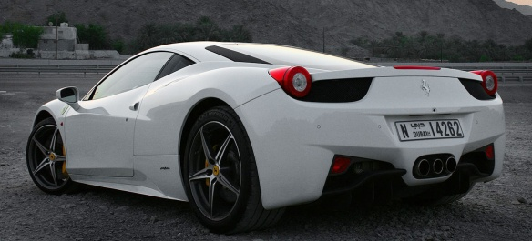 2012_ferrari_458_italia_road_test_review_04-1106