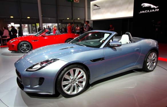 2014-jaguar-f-type_100403591_m