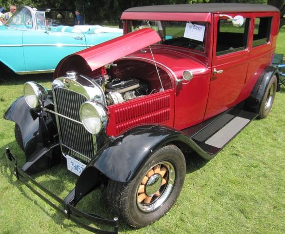 1930s Saloon style